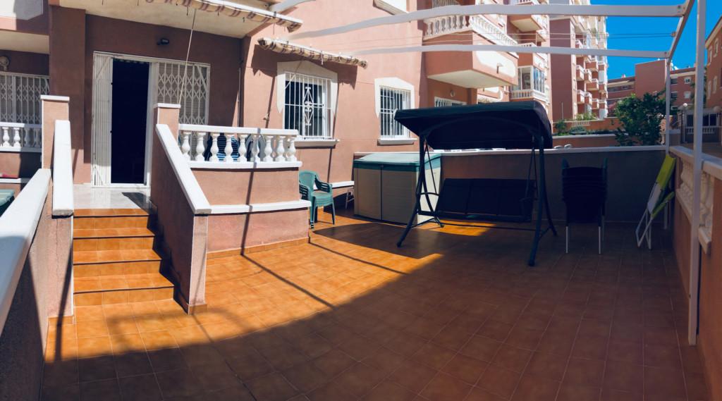 RV 21.04 APARTAMENTO EN PLANTA BAJA + PLAZA DE PARKING PRIVADO